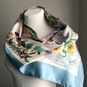 GUCCI | Vintage Silk Scarf